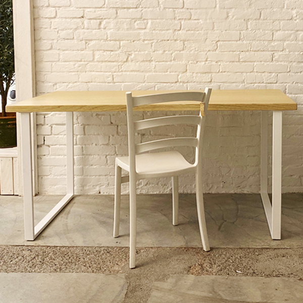 tavolo_frakè_gamba bianca1
