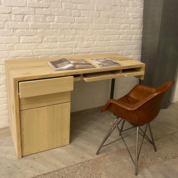 scrivania cassetti3